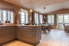 Cabins In Virginia, Oklahoma Cabins, Chalet Interior, Italy House, Cabin Kitchens, Log Cabin Homes, Kitchen Images, Cabin Interiors, Maine House