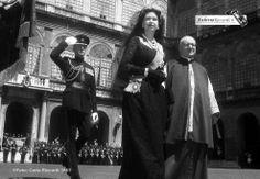 Sua Maestà  Elisabetta II  Regina del Regno Unito  ritratta da Carlo Riccardi nel 1961 durante la sua prima visita a Roma Copyright ©  ww.archivioriccardi.it