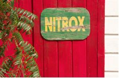 Nitrox is the term used to describe a specially enriched blend of oxygen and nitrogen used by professional and The usual accepted mix for Nitrox contains more than the regular 21% percentage of oxygen as is found in regular air, this can be anywhere from 22% of the mix up to the maximum of 40%. The most popular amounts for Nitrox mixes are 32% and 36%.experienced scuba divers.