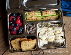 This Lunch Rox blog-lots of creative and healthy lunch box ideas for kids