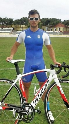cyclist Cycling Lycra, Cycling Wear, Cycling Outfit, Vpl Men, Mens Bike Shorts, Tight Leather Pants, Wrestling Singlet, Lycra Men, Beefy Men