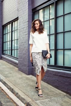 Wearing ASOS top and skirt, Witchery heels, Oroton personalised clutch and Michael Kors watch.