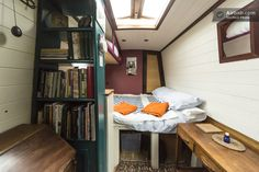 Stylish Narrow Boat in city centre | Airbnb Mobile