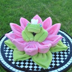 frog on lilypad 2