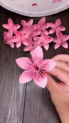Easy Paper Crafts for Kids and Adults Here we have tried to group our Paper Craft ideas by type! Origami for Kids Newspaper Crafts. Paper Flowers Craft, Paper Crafts Origami, Easy Paper Crafts, Flower Crafts, Diy Flowers, Diy Paper, Newspaper Crafts, Origami Flowers, Flower Diy