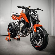 ⚔️790 DUKE - The Scalpel⚔️ #KTM #READYTORACE #duke #790Duke #prototype