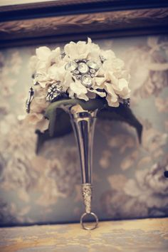 My vintage brooch wedding bouquet