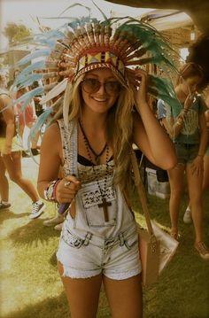 Festival wear, coachella festival, festival looks, festival outfits, festiv Style Hippie Chic, Look Boho Chic, Gypsy Style, Hippie Boho, Vintage Hippie, Festival Looks, Festival Style, Festival Wear, Coachella Festival