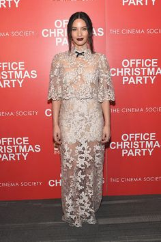 office-christmas-party-new-york-screening-red-carpet-fashion-tom-lorenzo-site-3