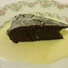 Une de mes recettes que j'ai adaptée au cookeo. Excellent dessert de fêtes, fin et délicieux. A servir avec une crème anglaise ou une boule de glace à la vanille.