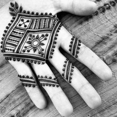 Henna tattoos for men have become popular due to its painless and temporary nature. Men Henna Tattoo, Henna Ink, Henna Tattoo Designs, Henna Mehndi, Hand Henna, Mehendi, Henna Hands, Palm Henna Designs, Hena Designs