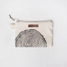 Wood Slice Zipper Jewelry Pouch Pencil Case от MonimalJewelry