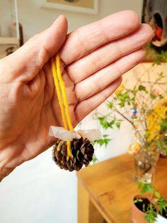 Sum Sum Sum…Bienchen aus Erlenzapfen // DIY Spring – Reges Leben Sum Sum Sum, Class Ring, Diy, Nature, Small Bees, Animales, Simple, House, Naturaleza