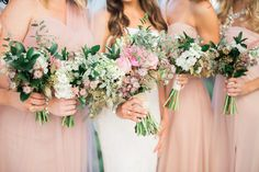 Florals by: Breezy Day Weddings Photo: Kent Mercurio