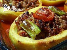 Patates Karnıyarığı Tarifi Bizbayanlar.com  #Biber, #Domates, #Karabiber, #Kıyma, #Patates, #Salça, #Sıvıyağ, #Soğan,#KırmızıEtYemekleri http://bizbayanlar.com/yemek-tarifleri/et-yemekleri/kirmizi-et-yemekleri/patates-karniyarigi-tarifi/