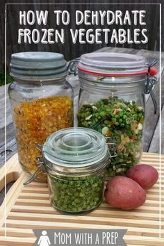 How to Dehydrate Frozen Vegetables – Mom with a PREP Want a quick, easy way to get started with your dehydrator? This is a no-fail way – How to dehydrate frozen vegetables! Dehydrated Vegetables, Dehydrated Food, Frozen Vegetables, Canning Vegetables, Veggies, Dinner Vegetables, Healthy Vegetables, Roasted Vegetables, Canning Food Preservation