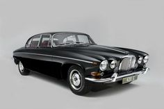 Jaguar 420 G Images, View some great images of the Jaguar 420 G we have restored at Classic Motor Cars.