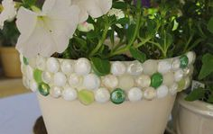 macetas c gemas Cute Crafts, Crafts To Make, Arts And Crafts, Crafty Craft, Crafty Projects, Diy Planters, Planter Pots, Marble Jewelry, My Flower