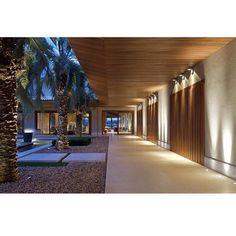 Lindo projeto da arquiteta Eliane Pinheiro. Boa noite! @elianepinheiroep #arquitetura #architecture #design #homestyle #getinspired #radardesign