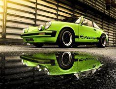 Kein Slotcar, aber ein schönes Bild eines Porsche 911.