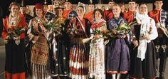 """Kao i većina folklornih društava prilikom svoga osnutka KUD """"Vinčica"""" susreo se s problemom nabave narodnih nošnji. Na području mjesta Belajske Poljice, što zbog ratnih stradavanja, što zbog nemara ljudi i slabe osviještenosti o potrebi čuvanja svojih korijena, originalnih primjeraka narodnih nošnji bilo je vrlo malo sačuvano.  Pon"""
