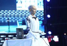 #ClairementUneArnaque #IA: Pour Yann Le Cun, le robot Sophia est une marionnette sans émotion  http://curation-simple-crm.blogspot.com/2018/01/clairementunearnaque-ia-pour-yann-le.html