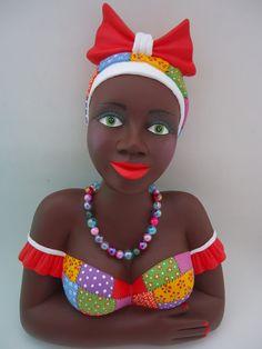 Imagen relacionada African Figurines, Black Figurines, Brown Art, Black And Brown, Puppet Tutorial, Statues, Tropical Art, Soft Sculpture, Fabric Dolls