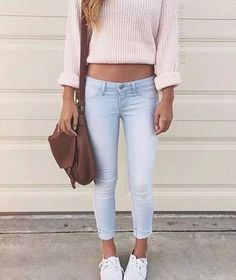 Image via We Heart It https://weheartit.com/entry/169589953 #blonde #jeans #outfit #outfits #pink #style #white