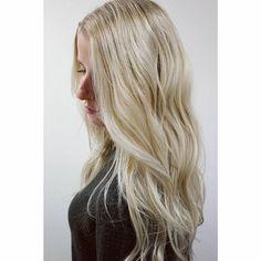 """28 tykkäystä, 1 kommenttia - Meeri Mäntylä (@folkhelsinki) Instagramissa: """"Tämän syksyn töitä nyt blogissa! #highlights #folkhelsinki #coolblonde #ashblonde #wavyhair #hair"""""""