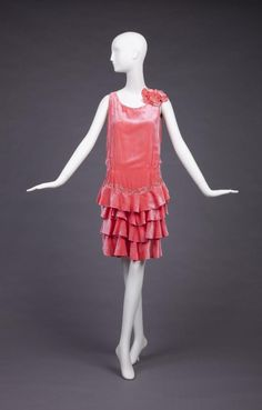 1928-1929 dress via The Goldstein Museum of Design.