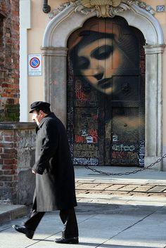 Watching Down On Every Step by Koen Verlinden, via Flickr - Milan