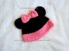 Touca de Crochê Minie com Pérolas Rosa Touca de Crochê confeccionada com lã  anti alérgica e d7cf05a488c