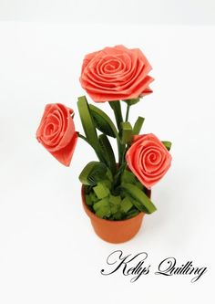Paper Quilling Rose Flowers Pot in red quilling by KellysQuilling