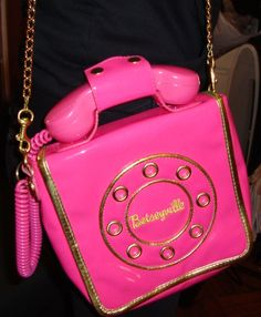 I need this Betsey Johnson purse........