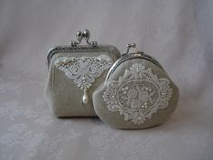 beautiful tiny frame purse with linen, lace and pearls