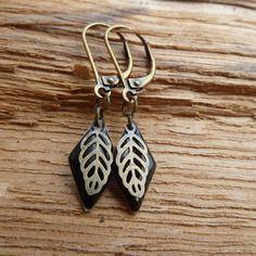 Boucles d'oreilles émail noir et bronze