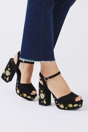 MAGNOLIA Embroidered Platforms