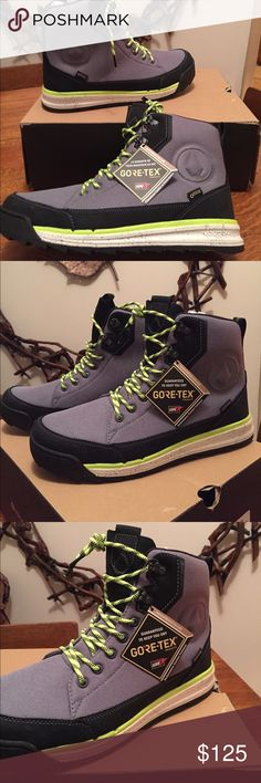 VoLcOm Roughington GTX Gore Tex Boot 10.5 NEW 2017 VoLcOm Roughington GTX Gore Tex Boot Black Neon Combo 10.5 NEW /  MSRP $189 VoLcOm Shoes Boots