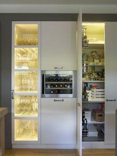Encuentra los mejores projectos de nuestros expertos para tu hogar. Cocina moderna y cálida de DEULONDER arquitectura domestica | homify
