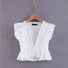 women sexy deep v neck hollow out casual smock white lace blouse shirt women pleated ruffles blusas chic femininas tops Summer Outfits, Cute Outfits, Emo Outfits, Dress Summer, Modest Outfits, Skirt Outfits, White Lace Blouse, White Lace Crop Top, Stylish Shirts