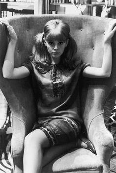 britt ekland., 60's Fashion..., 60s, 60´s, eyes, retro, history, women, men, fashion, blog, hair styles