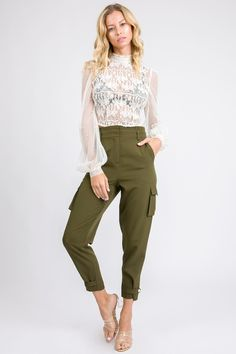 These petite cargo pants are chic and classy and perfect length for petite women under High waisted design makes women with short legs look taller and proportion look better! The trendy olive color makes them suitable for any dressy or casual occasion. Petite Sweaters, Petite Tops, Petite Women, Petite Size, Petite Outfits, Petite Dresses, Mode Outfits, Fashion Outfits, Stylish Clothes