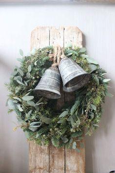 10 DIY Christmas Home Decor Inspirations Natural Christmas, Country Christmas, Simple Christmas, Winter Christmas, Christmas Ornaments, Vintage Christmas, Christmas Bells, Christmas Greenery, Christmas Tables