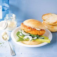 Im hohen Norden ist das Fischbrötchen ein echter Klassiker. Aber auch im Burger schmeckt die Kombination aus Fisch und Sahnemeerrettich einfach lecker...