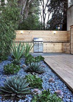 Beautiful front yard rock garden landscaping ideas - All For Garden River Rock Landscaping, Small Backyard Landscaping, Landscaping With Rocks, Landscaping Tips, Backyard Ideas, Fence Ideas, Patio Ideas, Bird Bath Garden, Garden Art