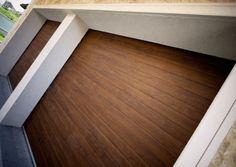 Usi de garaj sectionale cu o linie centrala doorTECK® Hardwood Floors, Flooring, Simple Lines, Wood Floor Tiles, Wood Flooring, Floor