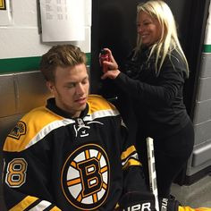 David Pastrnak getting the flow prepped for #NHLBruins photo and video day.