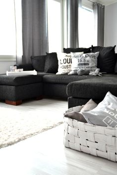 <3 Home Cinemas, Living Room Colors, Home Hacks, Family Room, Sweet Home, New Homes, Couch, Black And White, Interior Design