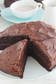 Delicious super soft chocolate cake with a simple ganache. Perfect for all occasions. Thermomix Desserts, No Bake Desserts, Homemade Cake Recipes, Baking Recipes, Food Cakes, Cupcake Cakes, Cheese Toast Recipe, Molten Cake, Puff Pastry Recipes