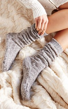 chunky knit ribbed knee-high socks  http://rstyle.me/n/sjstnpdpe